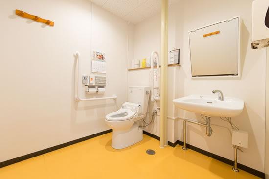 介護用男女トイレ